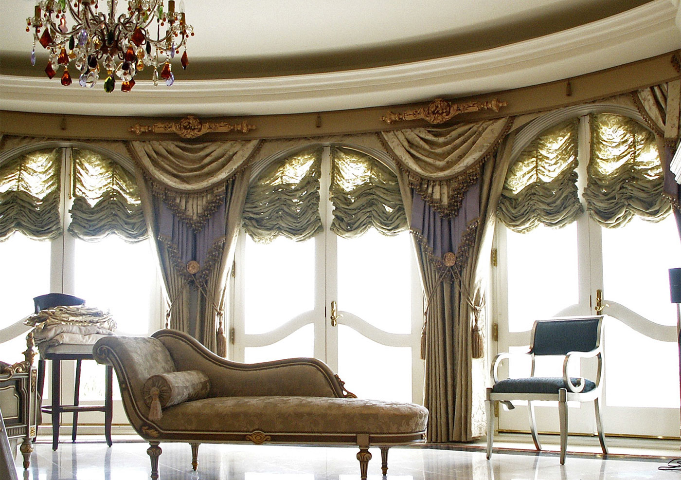 """Baroque-Classical"" style window dressing"